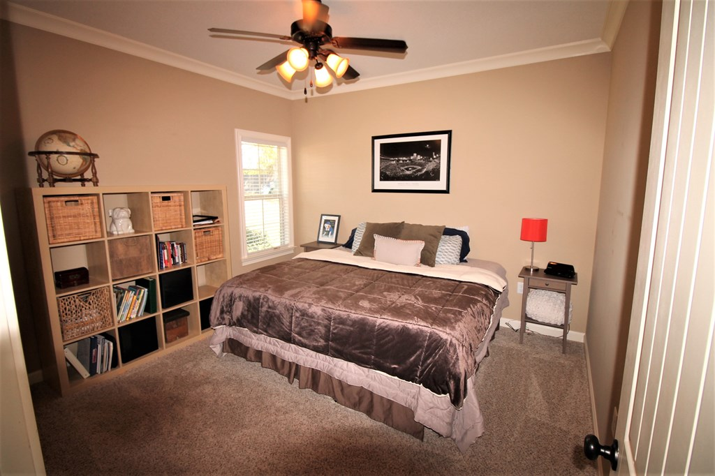 113415 Residential For Sale 4228 Oak Forest Drive